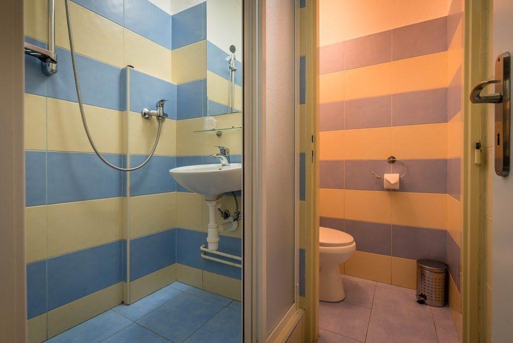 Liečebný dom Aqua Turčianske Teplice izba kúpelňa