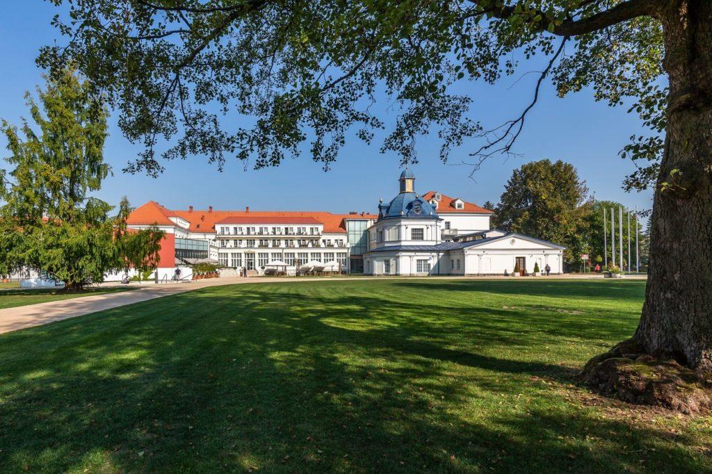 turčianske teplice royal palace park